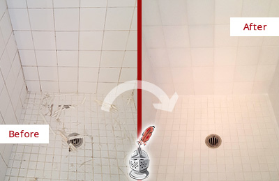 Before and After Picture of a Aragon Bathroom Re-Caulked To Repair Damaged Caulking